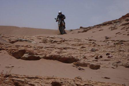 descente roche et sable